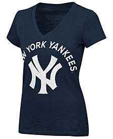 G-III Sports Women's New York Yankees Classic Logo V-Neck T-Shirt