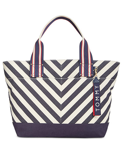 Tommy Hilfiger Classic Tommy Chevron Canvas Extra-Large Tote