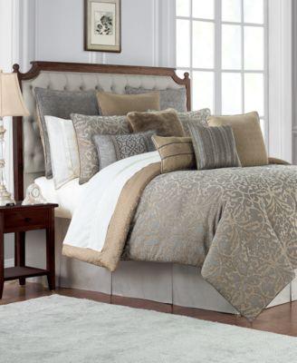 Reversible Carrick Reversible 4-Pc. California King Comforter Set