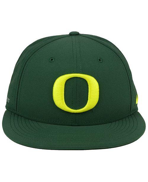 on sale 70cb2 cab24 ... Nike Oregon Ducks Aerobill True Fitted Baseball Cap ...