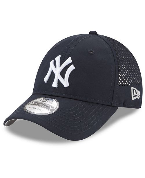 New Era New York Yankees Perf Pivot 9FORTY Cap - Sports Fan Shop By ... 45c6e6d86aa8