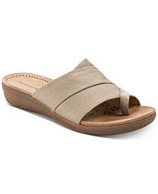 Baretraps Jodey Slip-On Wedge Sandals