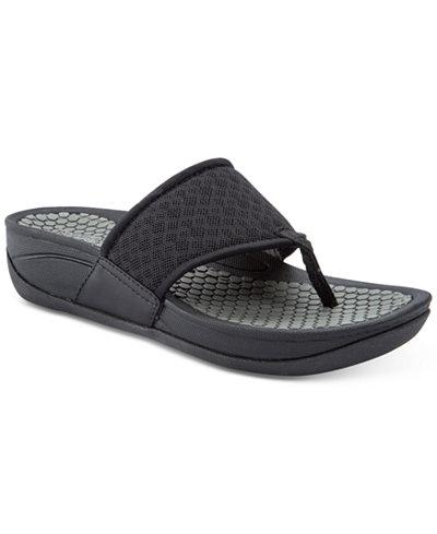 Bare Traps Dasie Rebound Technology Thong Sandals