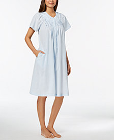 Miss Elaine Woven Embroidered Robe
