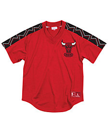 Mitchell & Ness Men's Chicago Bulls Winning Team Mesh V-Neck Jersey