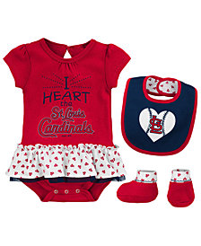Outerstuff St. Louis Cardinals Bib & Booty Set, Infant Girls (0-9 Months)