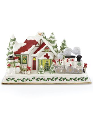 Santa & Train Musical Lighted Centerpiece