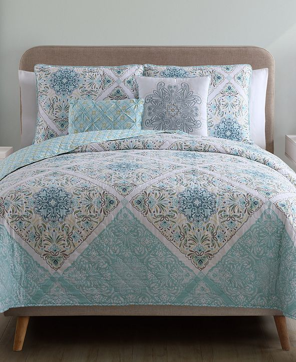 VCNY Home Windsor Reversible 5-Piece Queen Quilt Set