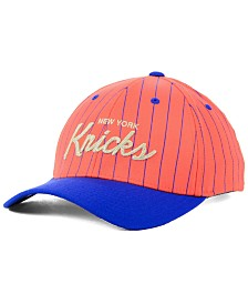 Mitchell & Ness New York Knicks Pinstripe Snapback Cap