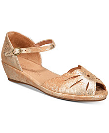 Gentle Souls by Kenneth Cole Women's Lily Moon Sandals