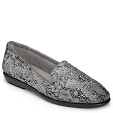 Betunia Smoking Flats