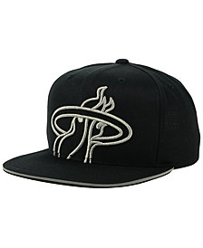 Mitchell & Ness Miami Heat Cropped Metallic Snapback Cap