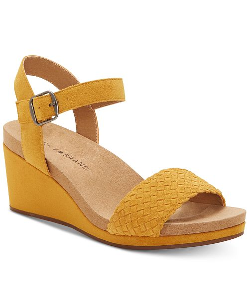 differently e53c3 a8fce ... Lucky Brand Women s Kennette Wedge Sandals ...