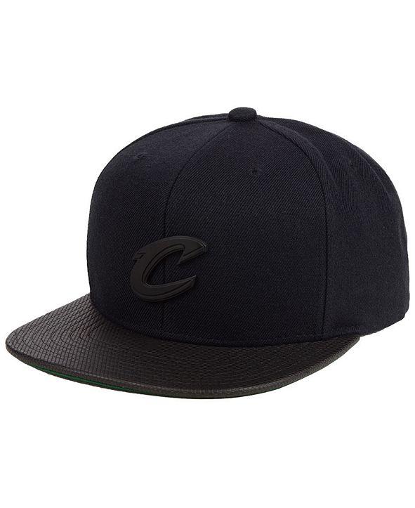 Mitchell & Ness Cleveland Cavaliers Matte Lux Snapback Cap