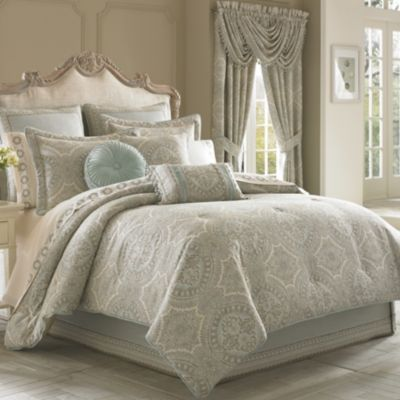 J. Queen Colette Full Comforter Set