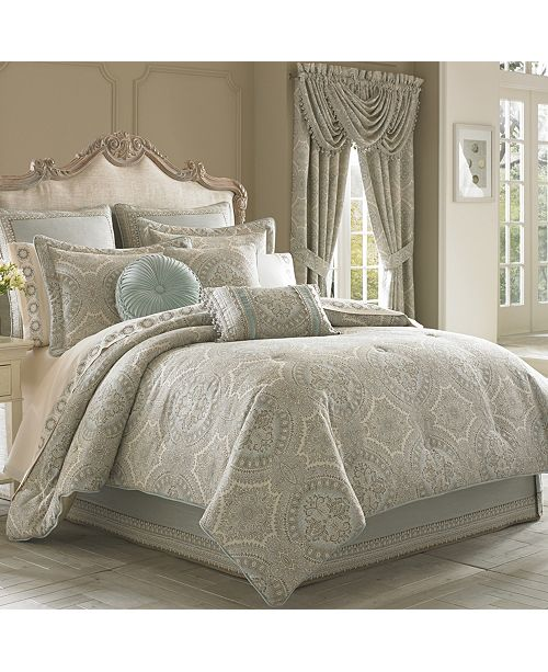 J Queen New York J. Queen Colette Full Comforter Set