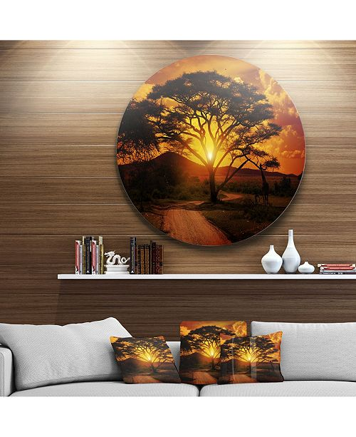 """Design Art Designart 'African Sunset With Lonely Tree'African Landscape Metal Circle Wall Art - 23"""" x 23"""""""