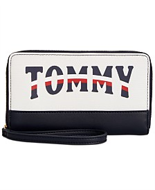 Tommy Hilfiger Viola Wristlet