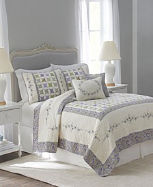 Nostalgia Home Cathedral Window Full/Queen Quilt