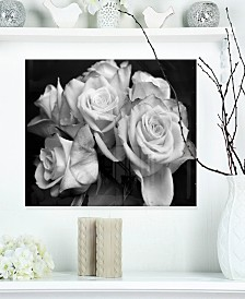 "Designart 'Bunch Of Roses Black And White' Floral Metal Wall Art - 20"" X 12"""