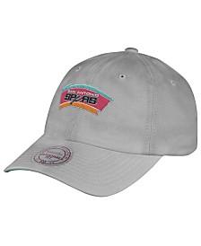 Mitchell & Ness San Antonio Spurs Hardwood Classic Basic Slouch Cap