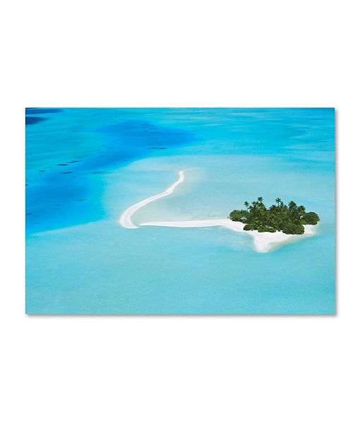 "Trademark Global Robert Harding Picture Library 'Beachy 13' Canvas Art - 32"" x 22"" x 2"""