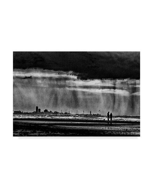 "Trademark Global Susanne Stoop 'The Couple On The Beach' Canvas Art - 47"" x 2"" x 30"""