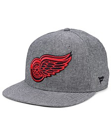 Authentic NHL Headwear Detroit Red Wings Chambray Emblem Snapback Cap