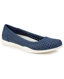 Cliffs by White Mountain Pennie Casual Flats