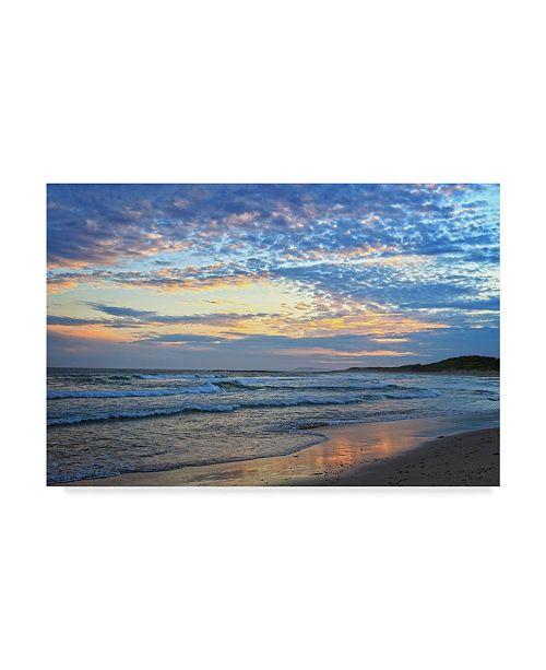 "Trademark Global Incredi 'Early Sunset' Canvas Art - 19"" x 12"""