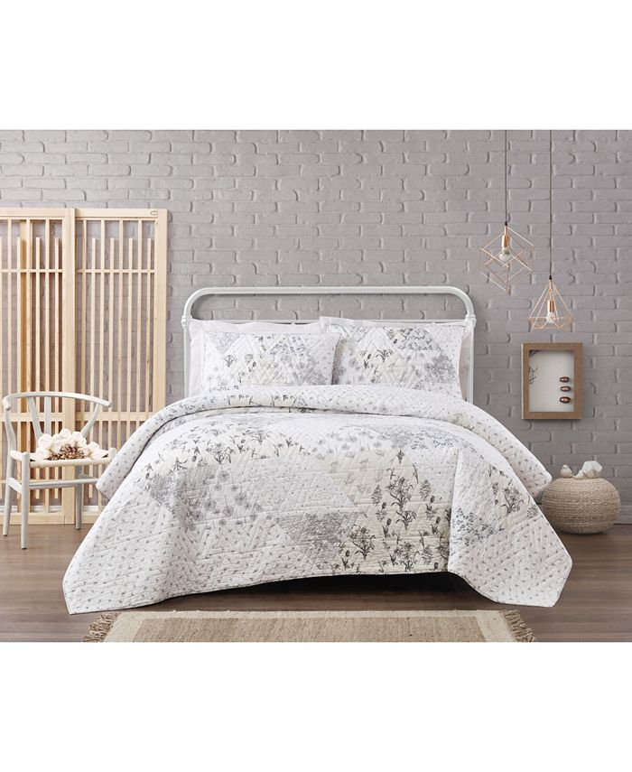 Brooklyn Loom - Cottage Classics Kamala Floral 3 Piece Quilt Set