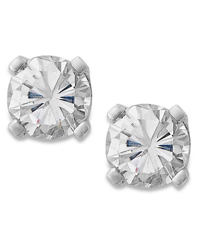Round-Cut Diamond Stud Earrings in 10k White or Yellow Gold (1/4 ct. t.w.)