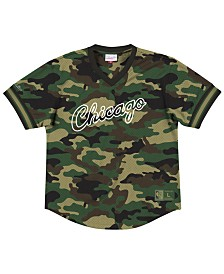 Mitchell & Ness Men's Chicago Bulls Camo Mesh V-Neck Jersey Top