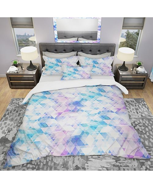Design Art Designart 'Sky Blue Triangle Texture With Grunge Effect' Modern and Contemporary Duvet Cover Set - King