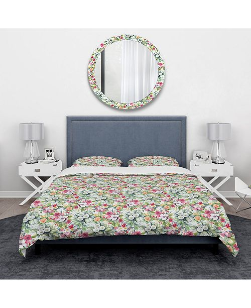 Design Art Designart 'Mint Bouquet Of Flowers In White Red and Yellow' Traditional Duvet Cover Set - Queen