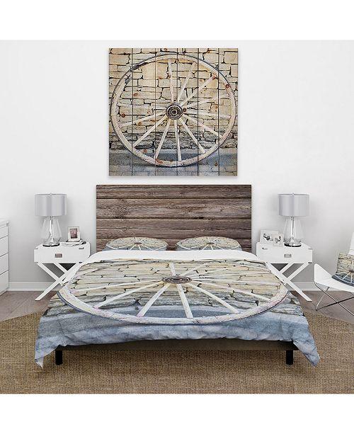 Design Art Designart 'Old Vintage Broken Wood Wheel' Farmhouse Duvet Cover Set - Twin