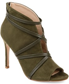 Journee Collection Women's Samara Bootie