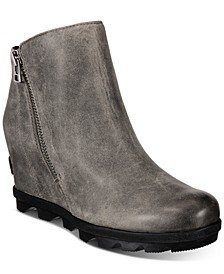 Women's Joan Of Arctic Lug Sole Wedge Zip Booties