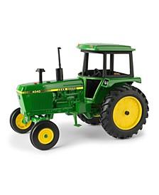 John Deere 1/16 4040 Tractor