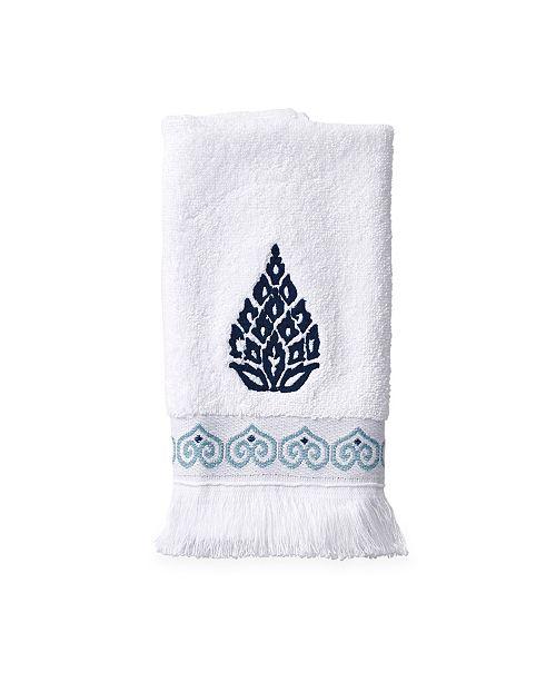 Peri Capri Medallion Fingertip Towel