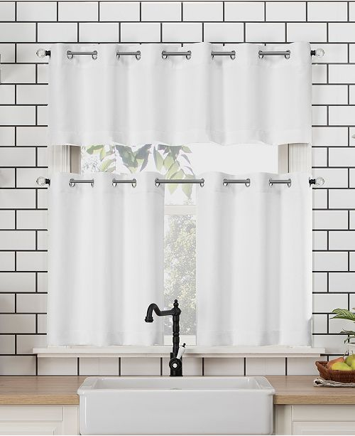 Lichtenberg No. 918 Dylan Casual Texture Semi-Sheer Valance and Tiers Set 54x24