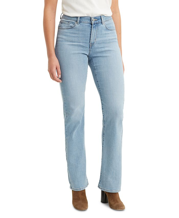 Levi's - Classic Bootcut Jeans
