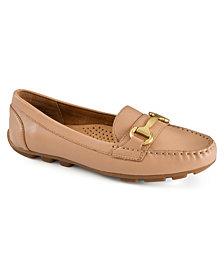 White Mountain Seeker Loafers