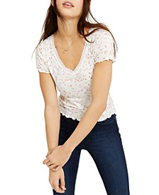 Juniors' Printed Lace-Trimmed Lettuce-Edge T-Shirt