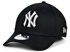 New York Yankees 2020 Clubhouse Black White 39THIRTY Cap