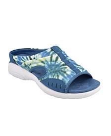 Traciee Women's Flat Sandals
