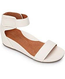 by Kenneth Cole Women's Georgette Wedge Sandals