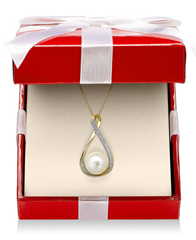 Cultured Freshwater Pearl (9mm) and Diamond Accent Pendant 18