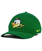 outlet store 8203e 7b253 Nike Oregon Ducks Classic Swoosh Cap