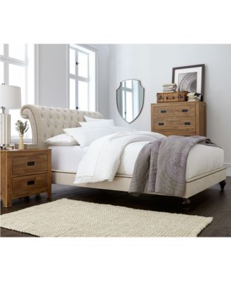 Victoria Upholstered Full Bed